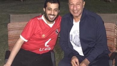 صورة بالصور..تركي ال الشيخ يزور الخطيب ويظهر بقميص الأهلي