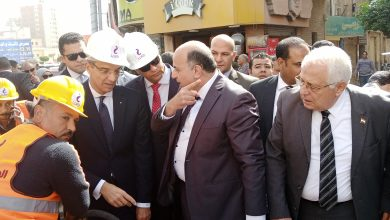 صورة وزير الاتصالات يتفقد مشروع مد كابلات التحول الرقمى بالدقهلية ويوجه بالالتزام بمعايير الجودة.